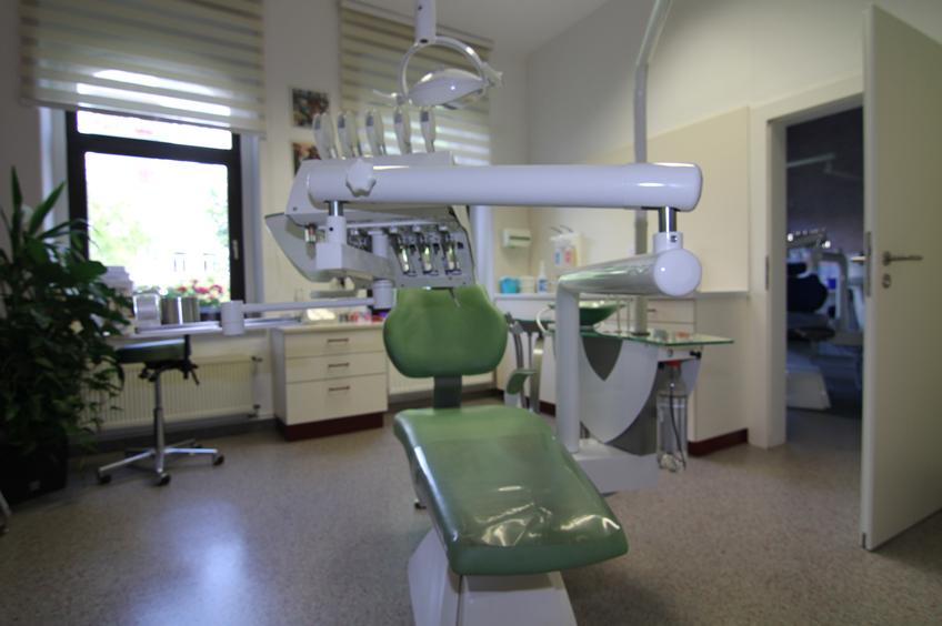 Behandlungsstuhl in der Kieferorthopädische Gemeinschaftspraxis Auerbach